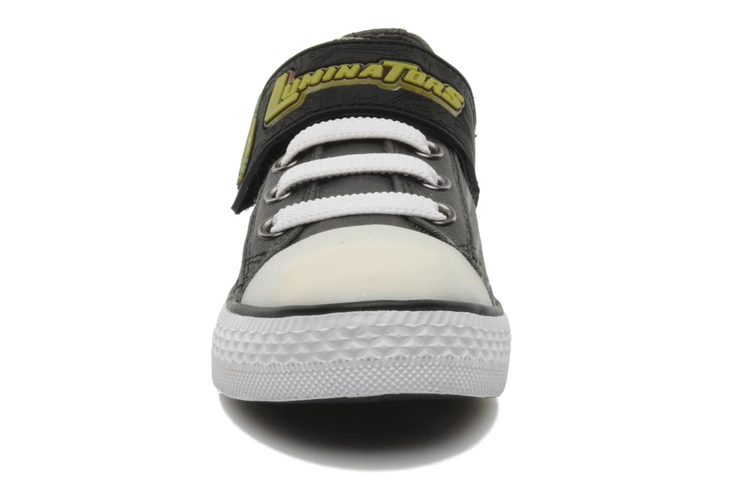 Baskets Skechers Roswell Gris vue portées chaussures
