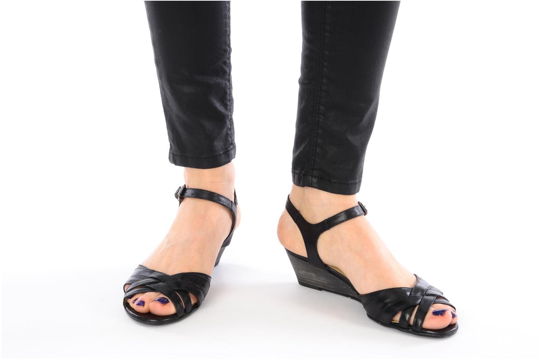 Sandalen Georgia Rose Turaco schwarz ansicht von unten / tasche getragen