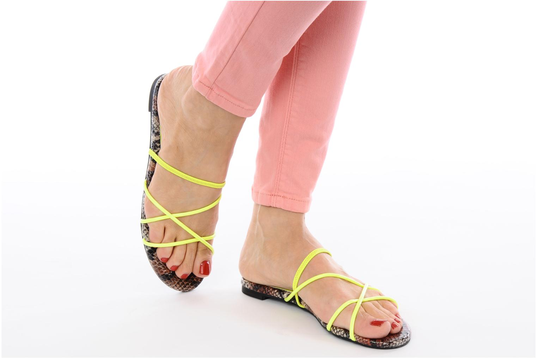 Sandales et nu-pieds Jeffrey Campbell SPIRAL Jaune vue bas / vue portée sac