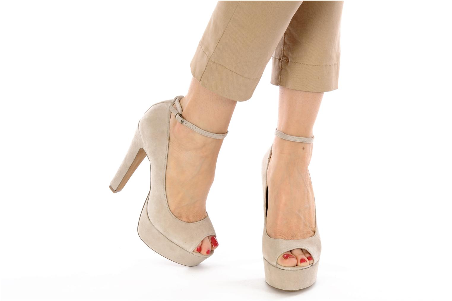 DEVIAATE BLUSH SUEDE 947