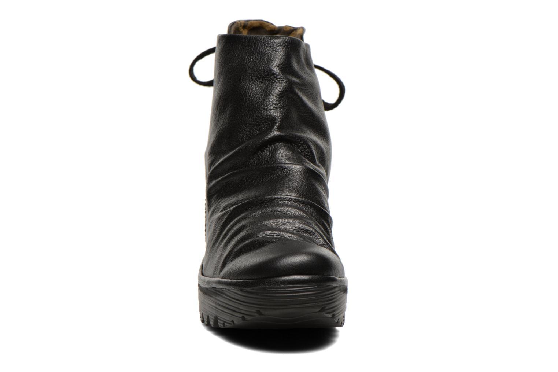 Bottines et boots Fly London Yama Noir vue portées chaussures
