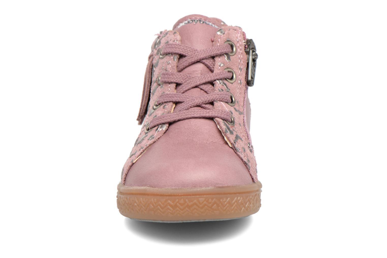 Sneakers Babybotte Apache Rosa modello indossato