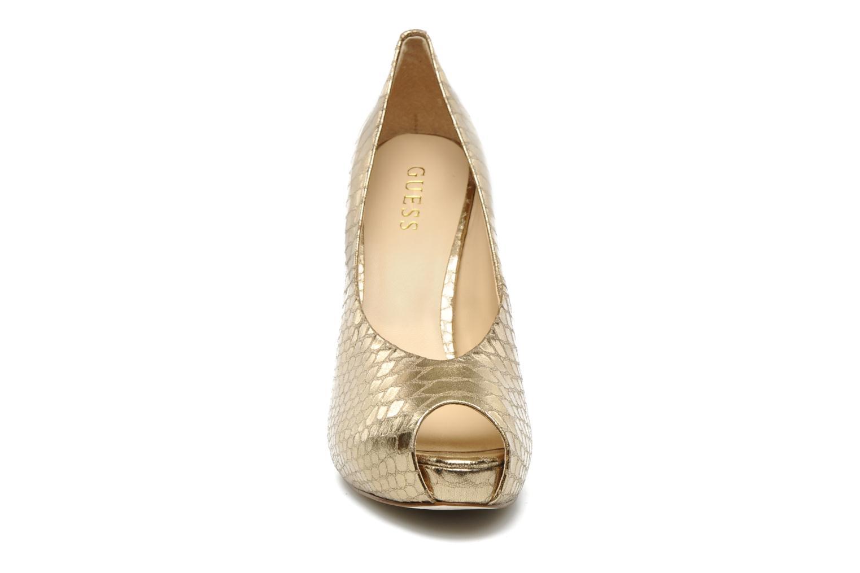 Zapatos de tacón Guess Hytner2 Oro y bronce vista del modelo