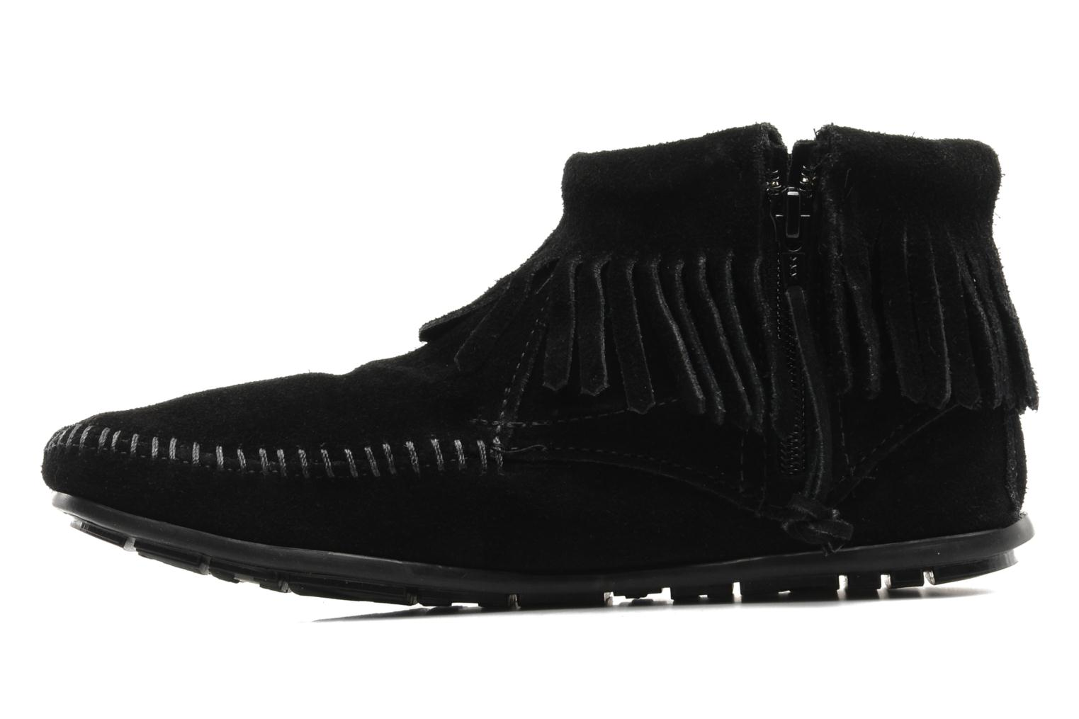 Ankle boots Minnetonka CONCHOFEATHER BT Black front view