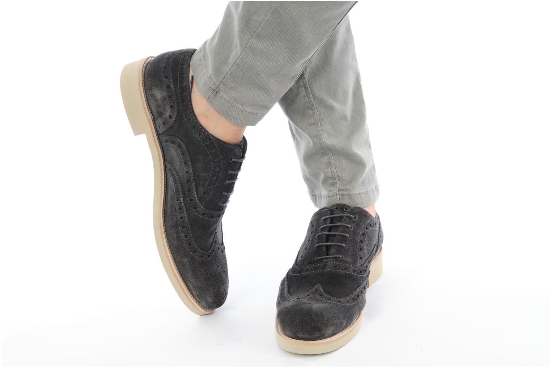 Chaussures à lacets Georgia Rose Pertoferraio Marron vue bas / vue portée sac
