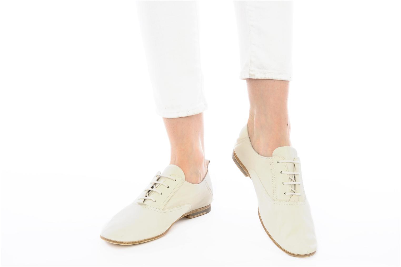 Chaussures à lacets Koah Dakota Beige vue bas / vue portée sac