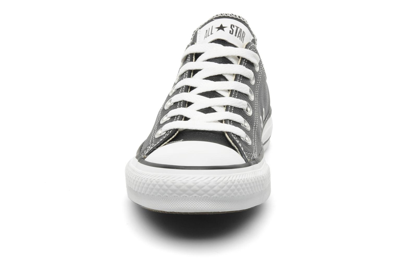 Baskets Converse Chuck Taylor All Star Leather Ox W Noir vue portées chaussures