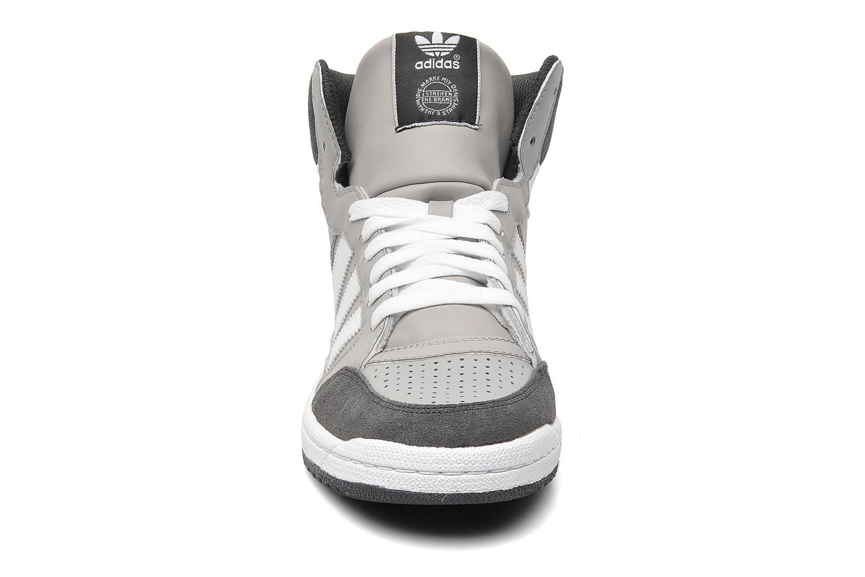 Sneakers Adidas Originals Pro Play Grijs model