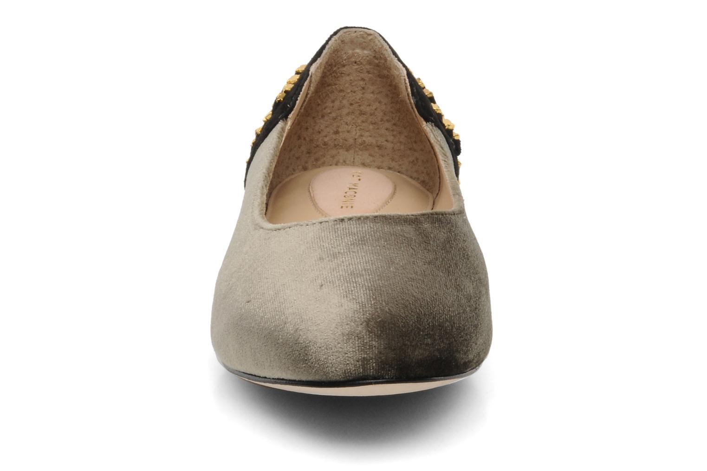Ballerines Kat Maconie CECILIA Gris vue portées chaussures