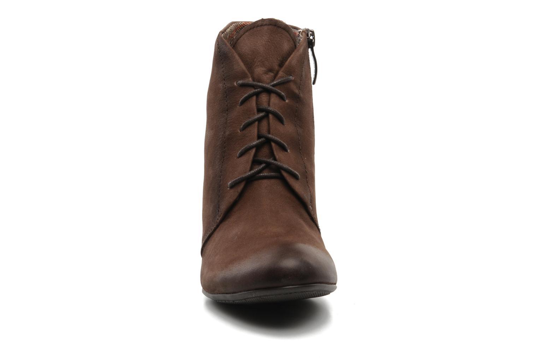 Bottines et boots Tamaris Natallina Marron vue portées chaussures