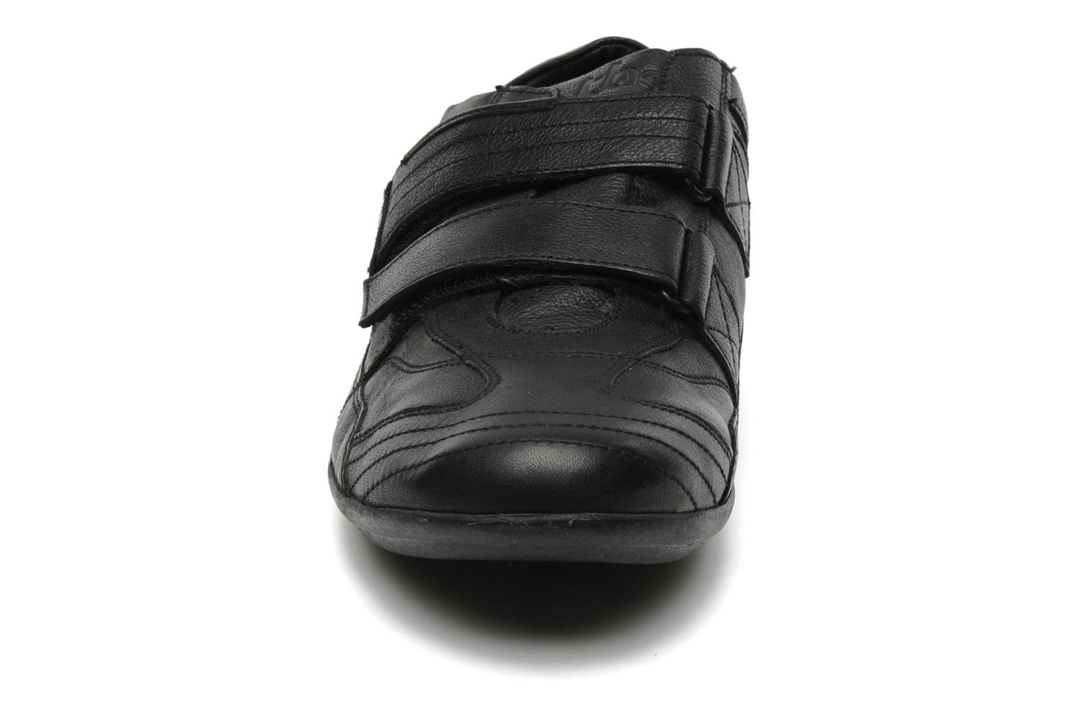 Trainers TBS Loriol Black model view