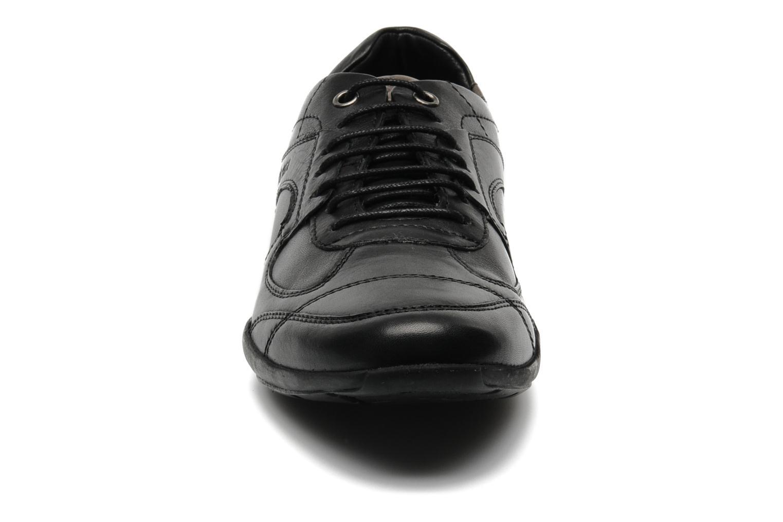 Sneaker TBS Merapi schwarz schuhe getragen