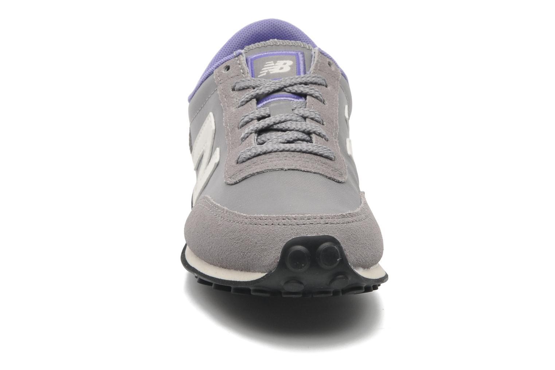 Sneaker New Balance UL410 grau schuhe getragen
