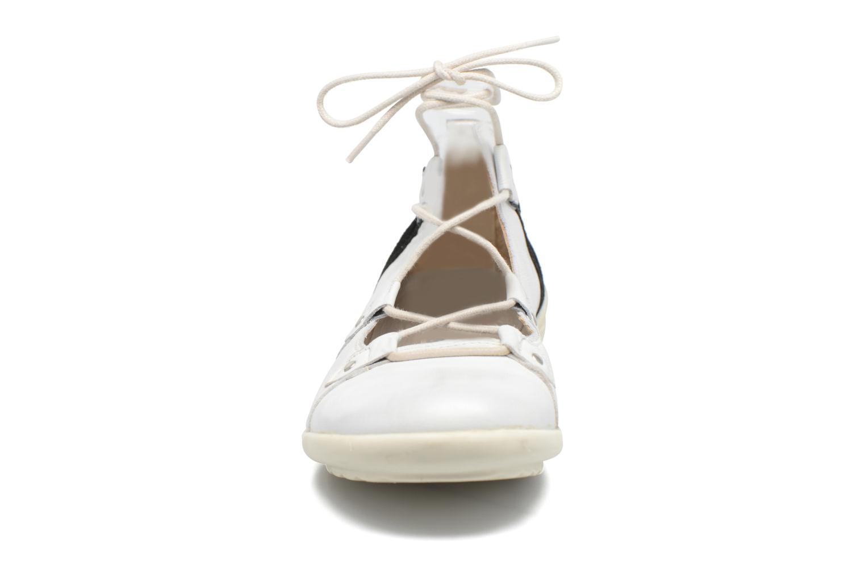 Ballerines Pataugas Norway W Blanc vue portées chaussures