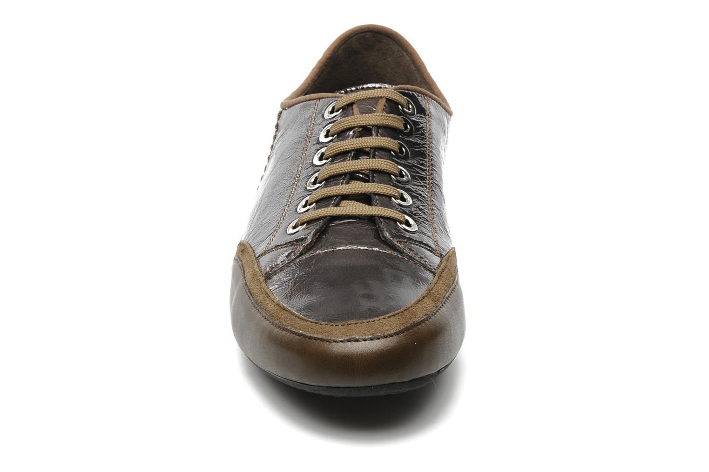 Baskets Mephisto Brenia Argent vue portées chaussures