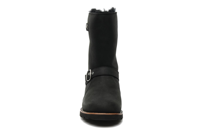 Bottines et boots UGG Noira Noir vue portées chaussures