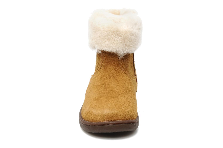 Bottines et boots UGG Jorie II K Marron vue portées chaussures