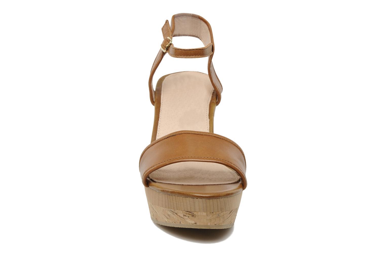 Sandales et nu-pieds Mellow Yellow Natanpa Marron vue portées chaussures