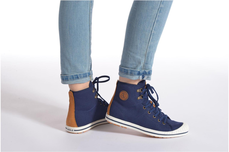 Chaussures à lacets Aigle Kitangiri Mid W Bordeaux vue bas / vue portée sac
