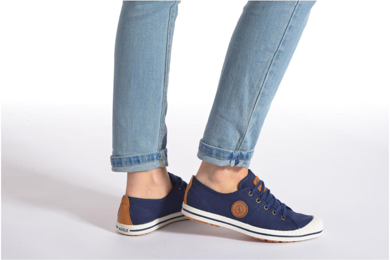 Chaussures de sport Aigle Kitangiri W Violet vue bas / vue portée sac
