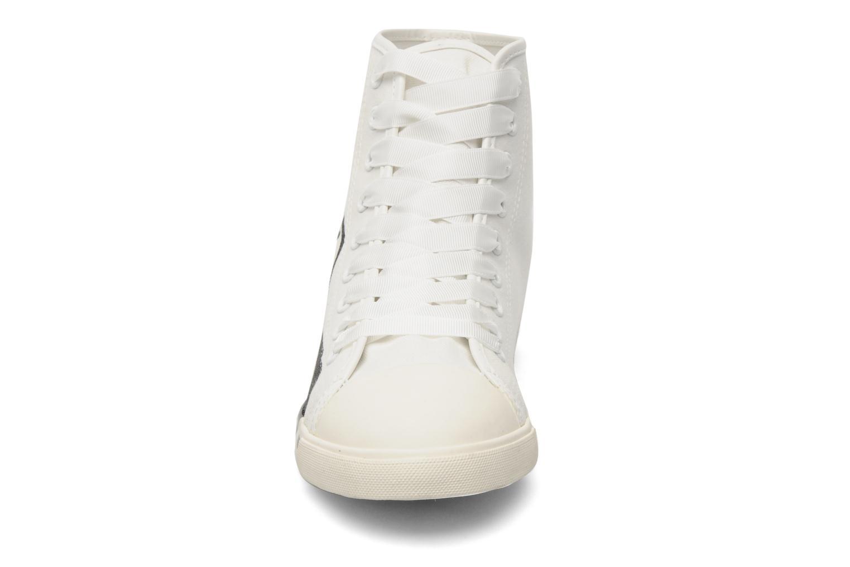 Baskets Be&D pistol sneakers Blanc vue portées chaussures