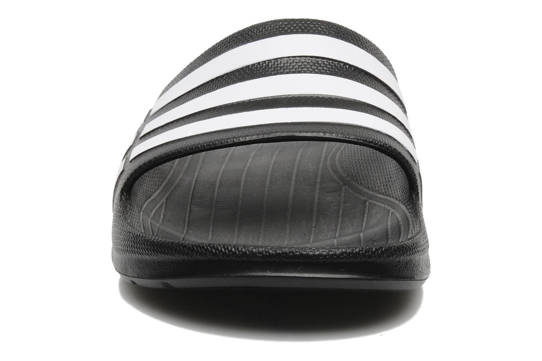 Sportschuhe Adidas Performance Duramo Slide schwarz schuhe getragen