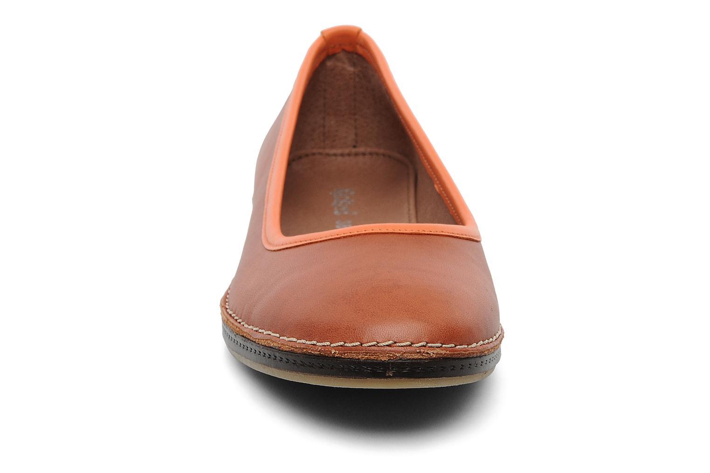 Ballerinaer Kickers Bird Orange se skoene på