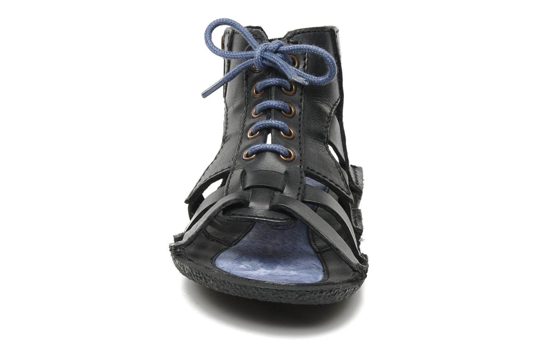 Sandales et nu-pieds Kickers PUNCHY E Noir vue portées chaussures