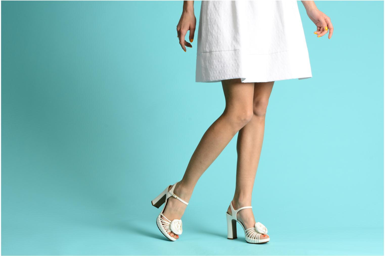 Sandales et nu-pieds Chie Mihara Rose Blanc vue bas / vue portée sac