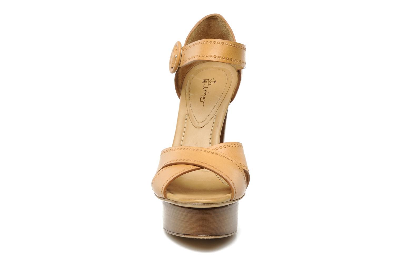 Sandali e scarpe aperte Eva Turner WOOVIE Marrone modello indossato