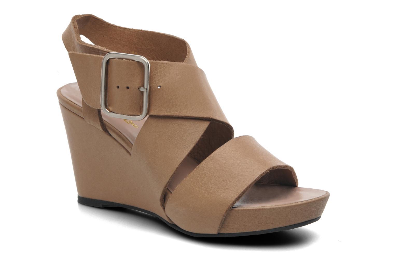 Sandales et nu-pieds Avril Gau Leli Beige vue détail/paire
