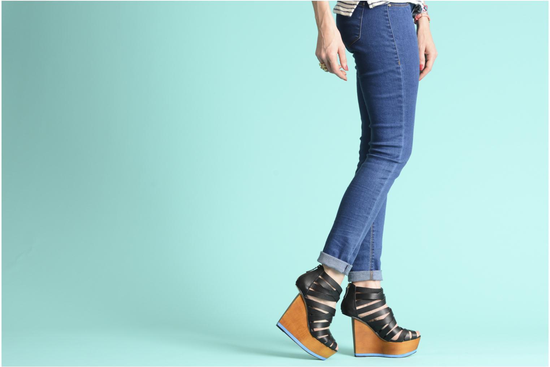 Sandales et nu-pieds Skin by Finsk NESIVE Noir vue bas / vue portée sac