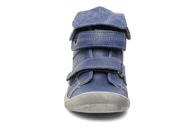 mit Klettverschluss Babybotte Actor blau schuhe getragen