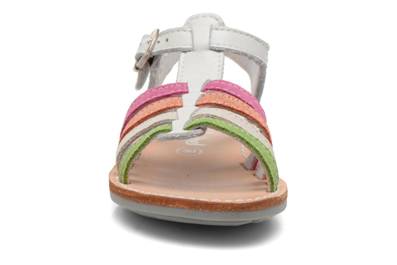Sandali e scarpe aperte Minibel Chana Bianco modello indossato