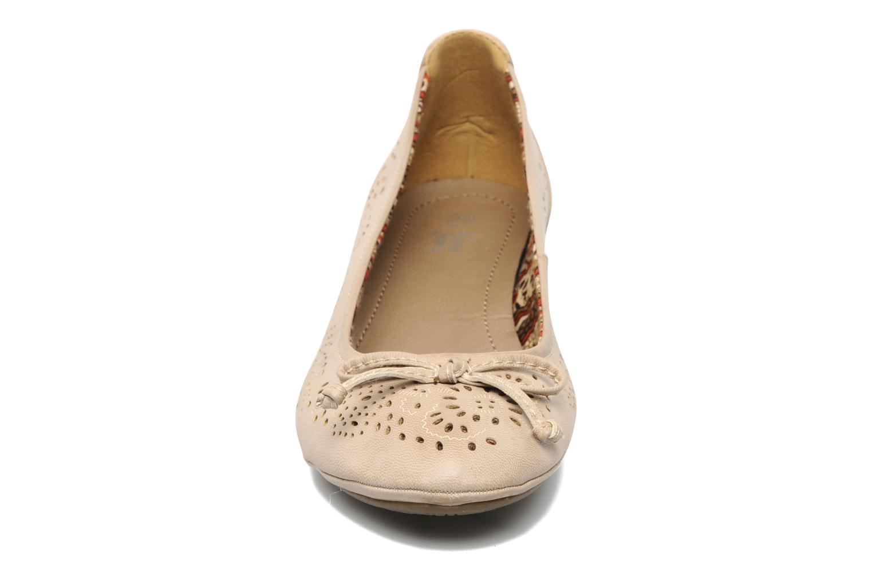 Escarpins I Love Shoes Sultana Beige vue portées chaussures