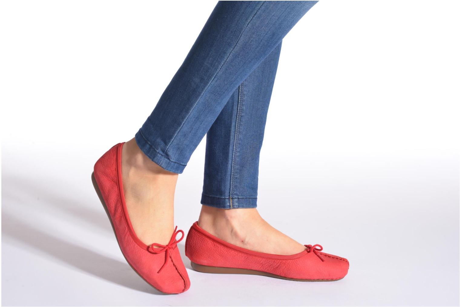 Ballet pumps Clarks Unstructured Freckle Ice Red view from underneath / model view