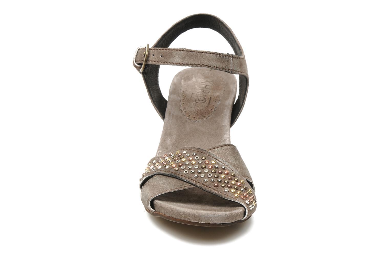 Sandales et nu-pieds Khrio Melton Marron vue portées chaussures