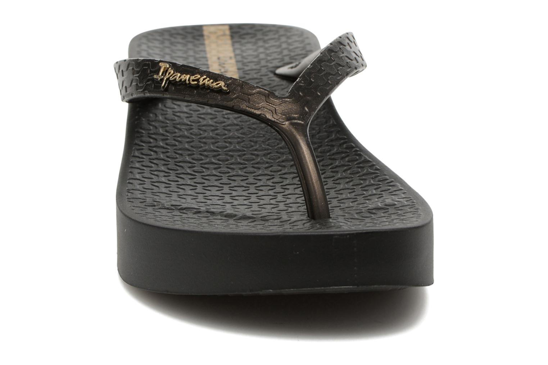 Tongs Ipanema Brasil Tropical Plat Fem Noir vue portées chaussures