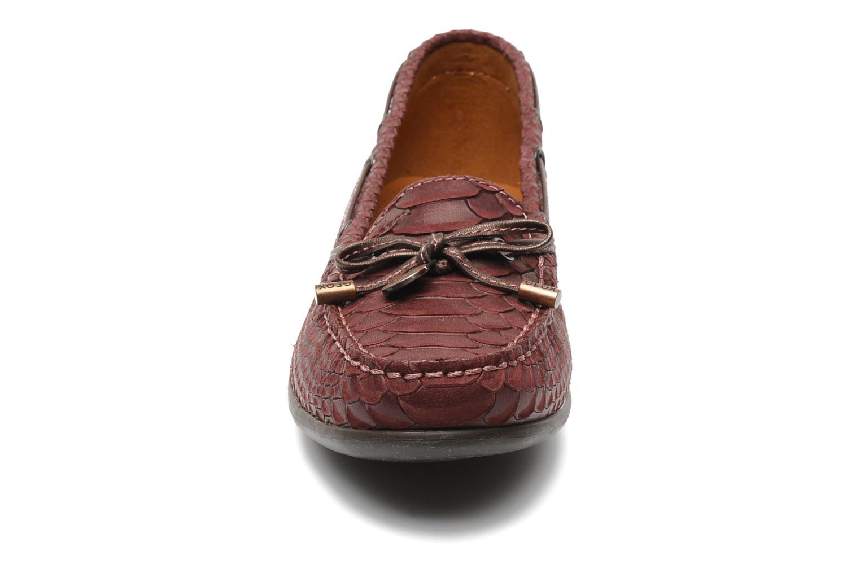 Mocassins Geox D YUKI D3255A Bordeaux vue portées chaussures