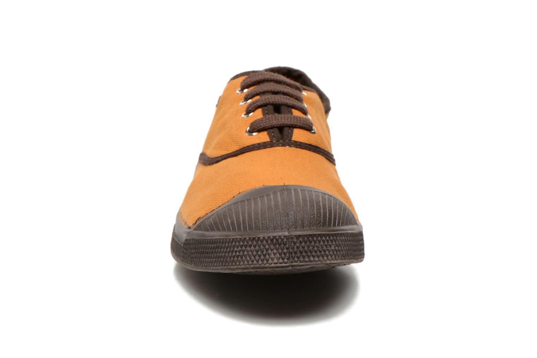 Sneakers Bensimon Tennis Colorpiping Arancione modello indossato