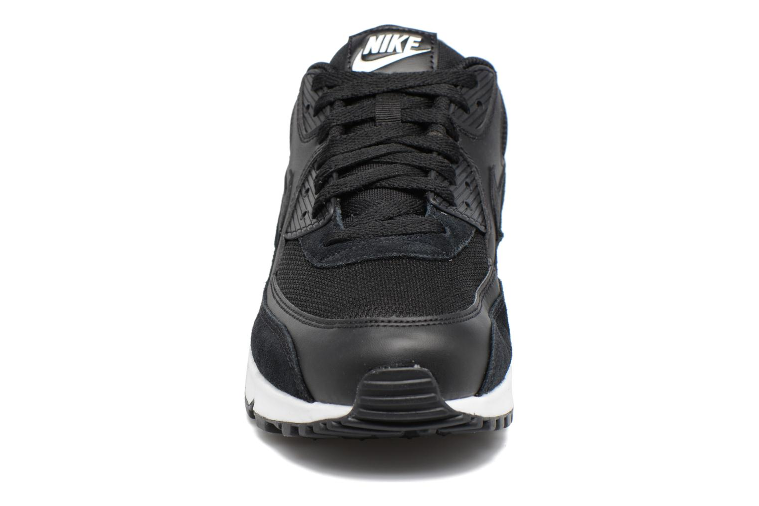 Sneakers Nike Nike Air Max 90 Essential Nero modello indossato