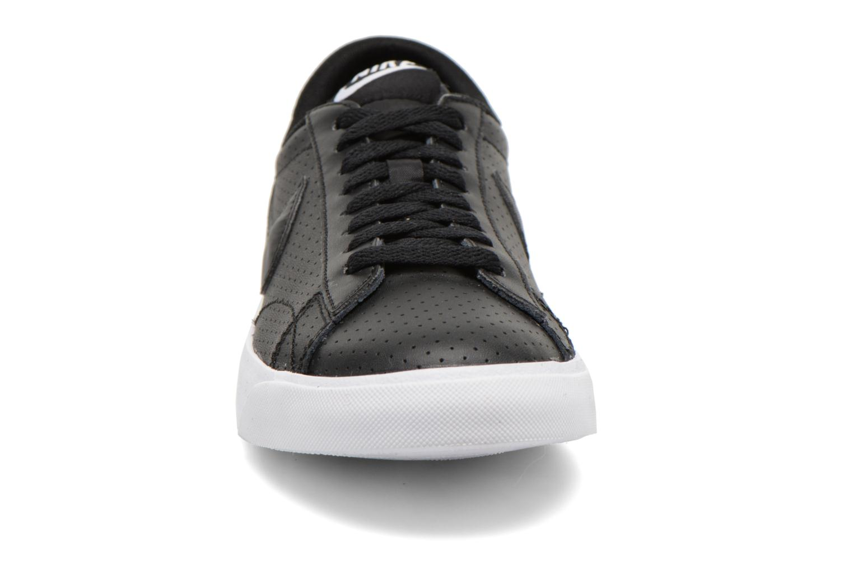 Sneaker Nike Tennis Classic Ac schwarz schuhe getragen