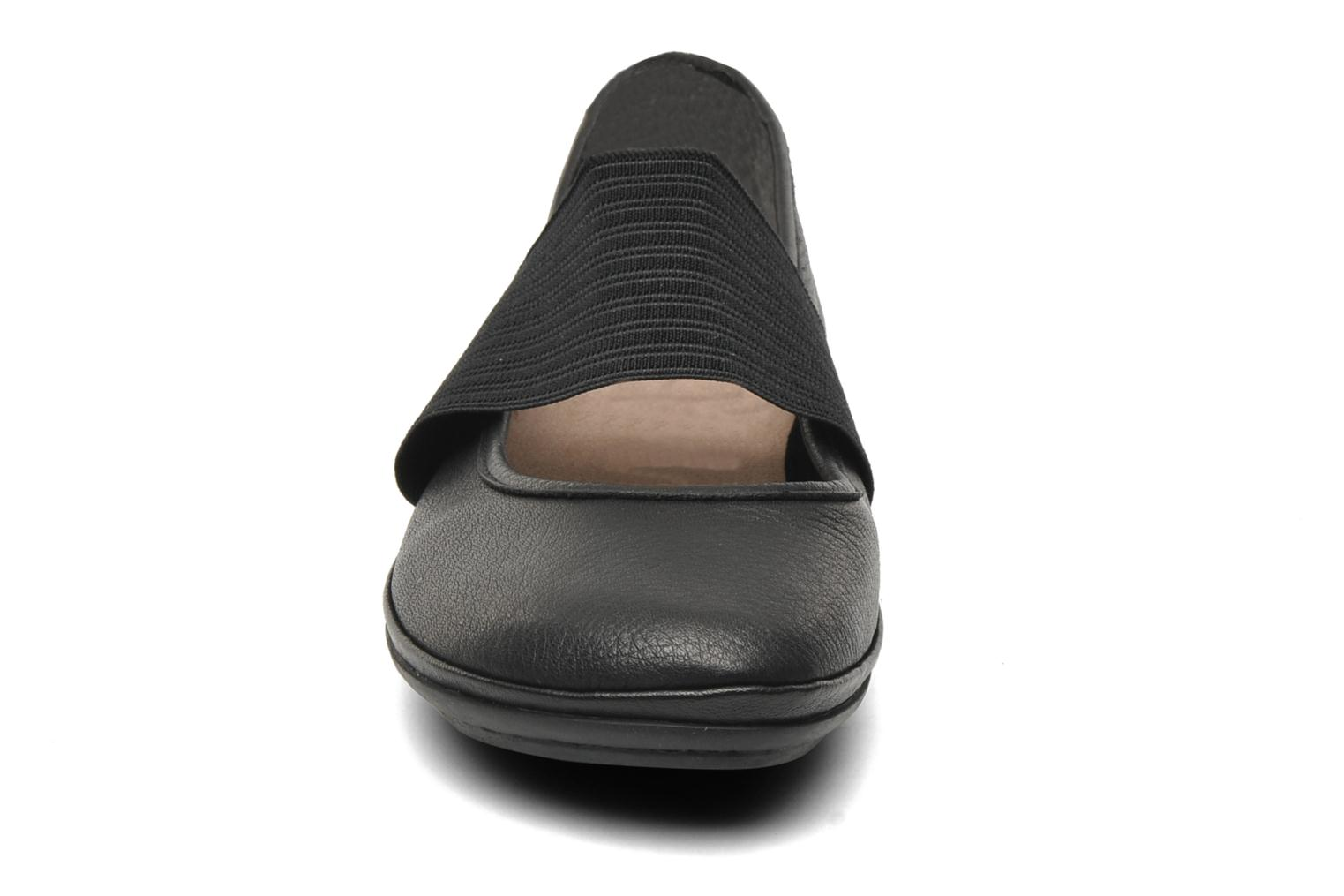 Ballet pumps Camper Right Nina 21595 Black model view