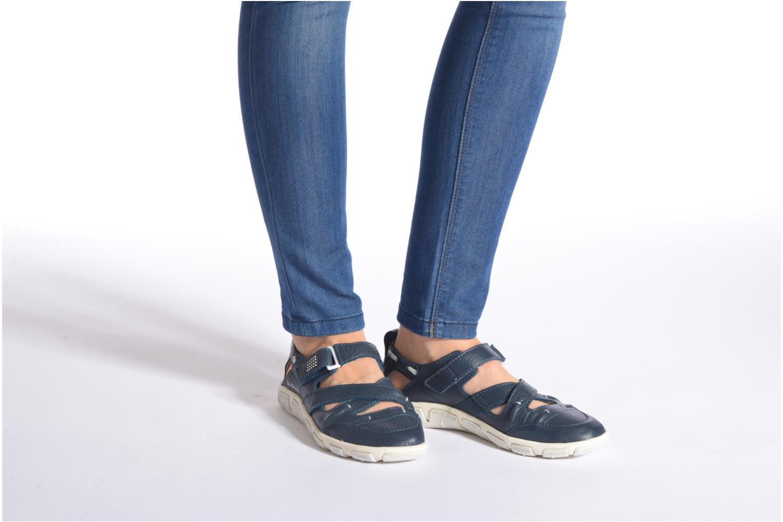 Sandalen TBS Juline blau ansicht von unten / tasche getragen