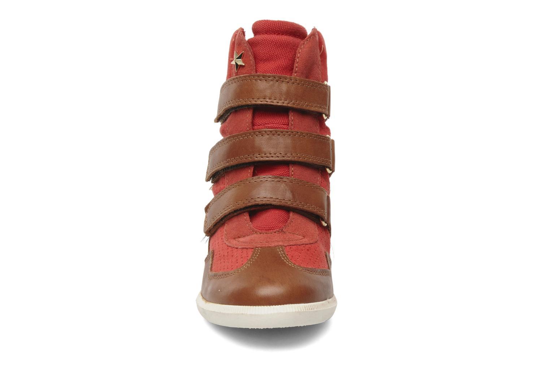 Baskets Bullboxer Ciralo Rouge vue portées chaussures
