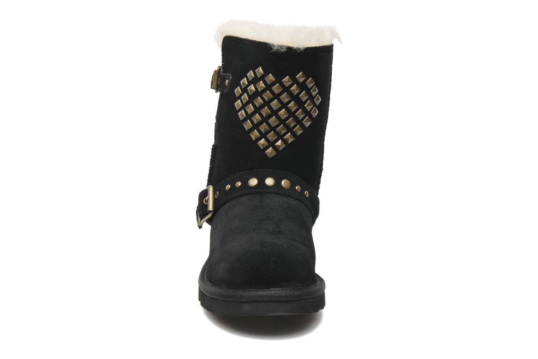 Stiefel UGG Adrianna schwarz schuhe getragen