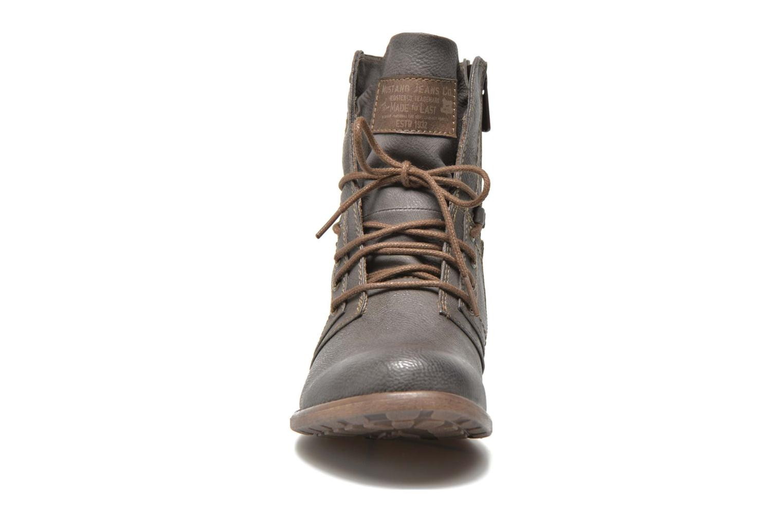 Bottines et boots Mustang shoes Mirjam Gris vue portées chaussures