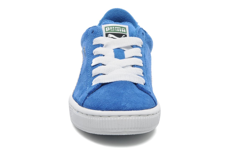 Sneakers Puma Suede Jr. Azzurro modello indossato