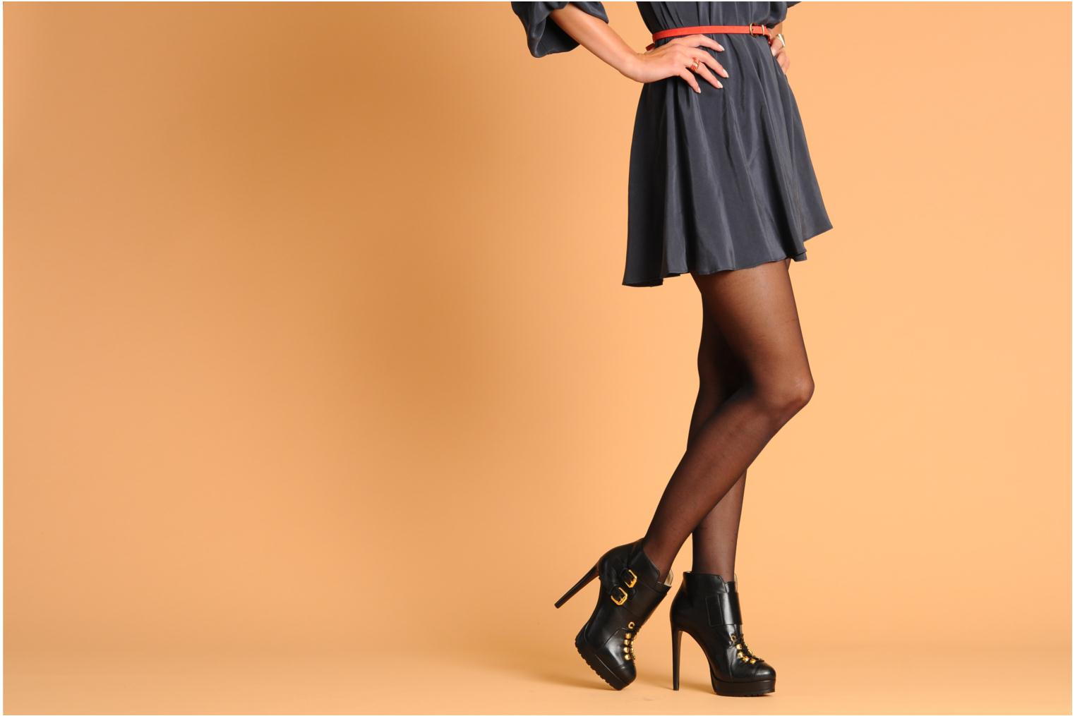 Ankle boots Vicini Volia Black view from underneath / model view