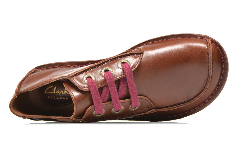 Snörade skor Clarks Funny Dream Brun bild från vänster sidan